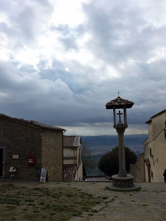 Fiesole, Italia: the entrance to the monastry territory