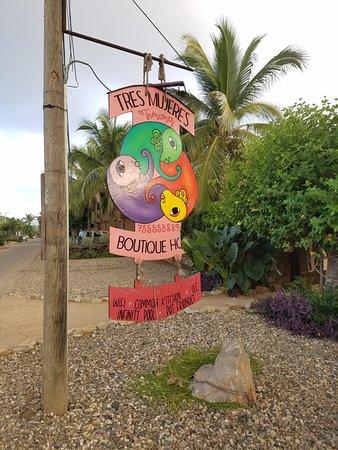 Troncones, Mexico: Tres Mujeres Boutique Hotel Entrance