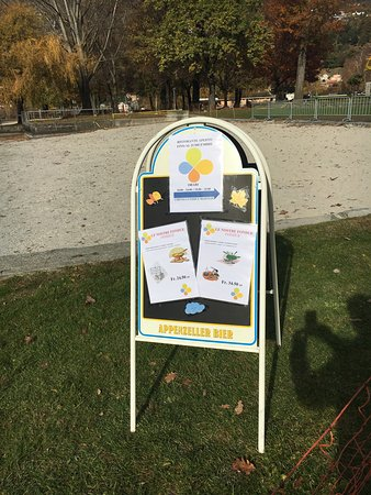 Tenero, سويسرا: Cartelloni spiaggia
