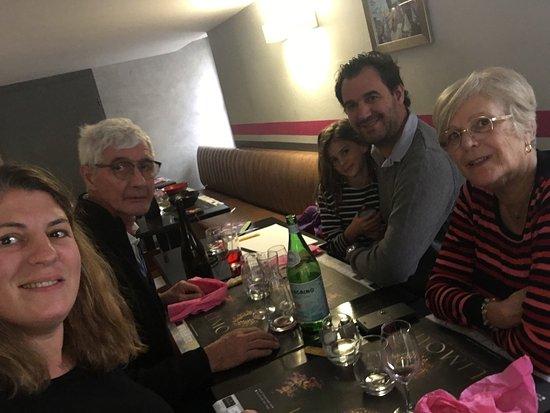 Limoux, Frankrig: Accueil, ambiance, personnel et surtout repas sans défaut... #SEREZAT