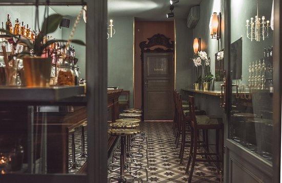 Bizarre cocktail boutique bologna restaurant reviews for Boutique bologna