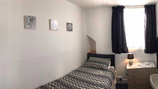 Redcar, UK: single room