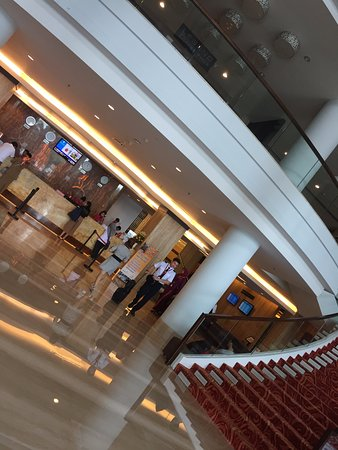 Grand Clarion Hotel & Convention Makassar: Area Lobby Hotel Grand Clarion Makassar