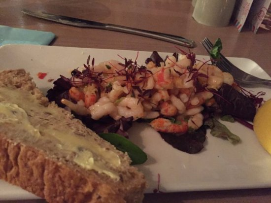 Trearddur Bay, UK: The prawn and crayfish cocktail starter