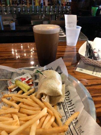 Irish Kevin's Bar : shrimp wrap sandwich