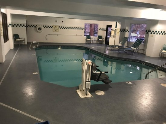 DoubleTree by Hilton Bend: Lower level indoor pool area