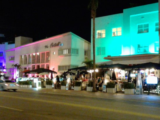 Catalina Hotel Beach Club