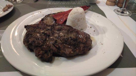 Αρχάνες, Ελλάδα: Black Angus Veal 'chop'. Actually a steak.