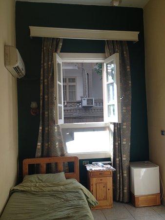 Mayfair Hotel: Open windows
