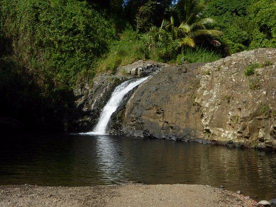 Sainte-Suzanne, Reunion: cascade délices avec son bassin