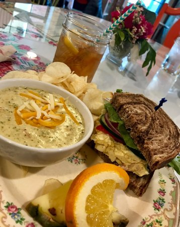 Morris, IL: Letty Mae's Tea Room