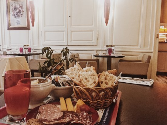Grand Hotel de l'Europe: petit brunch