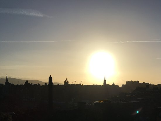 Edinburgh Thistle Hotel: Edinburgh skyline