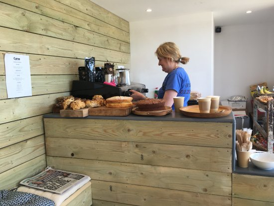 St Osyth, UK: Great coffee and homemade cakes from the Curve Cafe. Ice creams too!