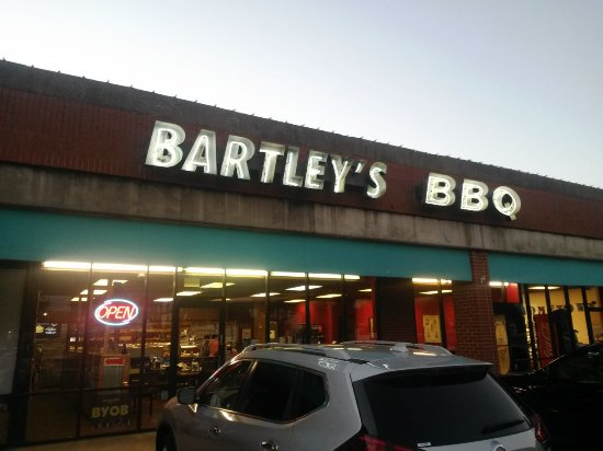Bartleys BBQ: The unassuming store front, found in a strip mall near downtown Grapevine.
