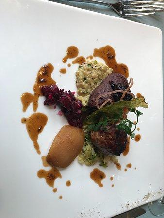 Montagny-près-Yverdon, Suiza: Comment sublimer le cochon pour le repas de la Saint-Martin, fête à l'occasion de l'abattage du