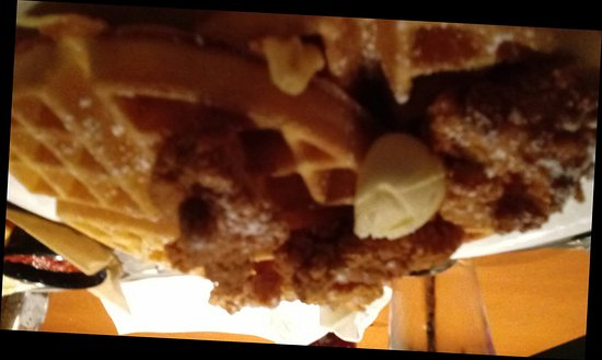 Downers Grove, IL: Chicken strips and waffles