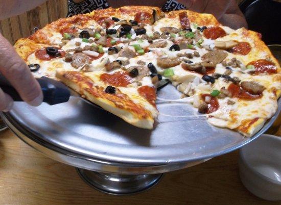 Hulett, WY: Notre pizza