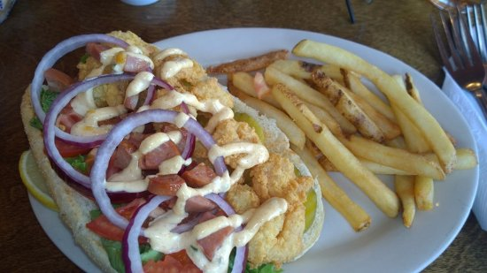 Belfast, ME: Lunch--shrimp po'boy and fries