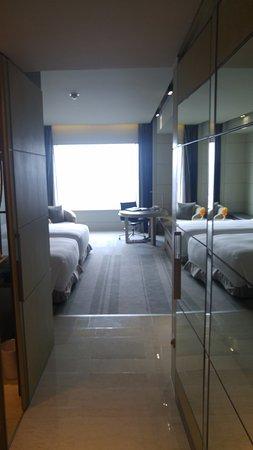 Hotel Nikko Saigon: Inside room