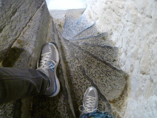 Oughterard, Irlandia: Steps in Aughnanure Castle