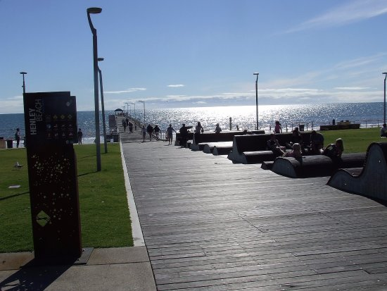 Henley Square: sun loungers & jetty