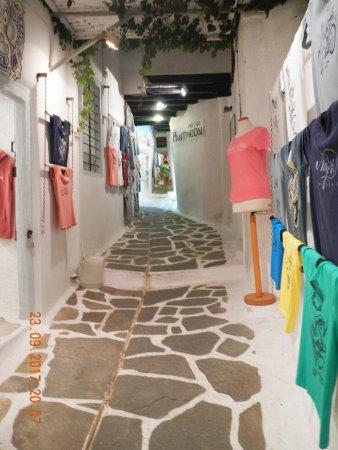 Old Town: Vicolo interno nel Kastro