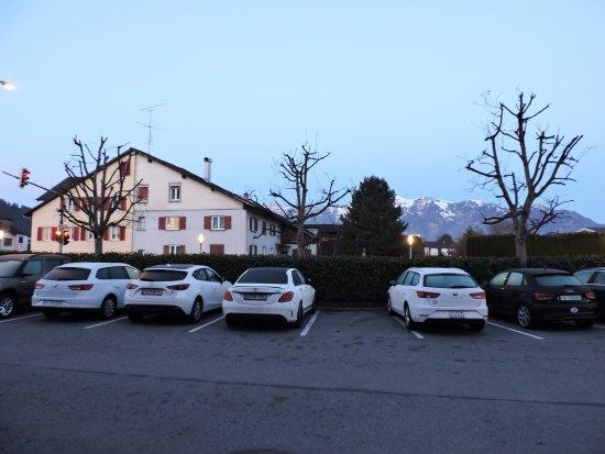 Hotel Weißes Kreuz: вид от отеля