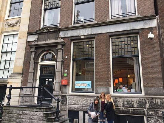 Stayokay Hostel Amsterdam Stadsdoelen: photo0.jpg