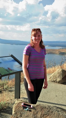 Cody Shuttle Service and Yellowstone Tours: Lindsey, most excellent guide