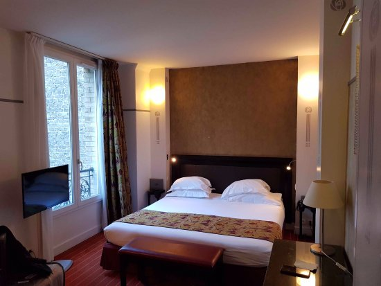 Hotel Eiffel Seine Photo