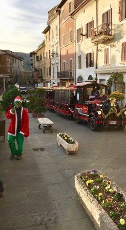 Chianciano Terme, Italy: Mostra playmobil e villaggio di babbo natale e terme...bellissima chianciano permi bambini!!