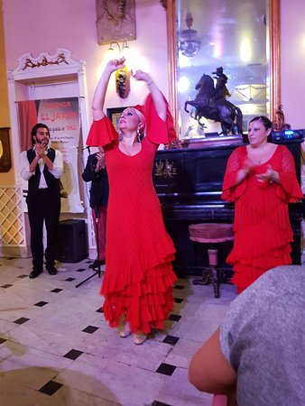 El Jardin: flamenco show aan tafel
