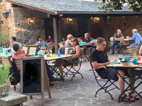 Plaisance, Франция: Outdoor terrasse
