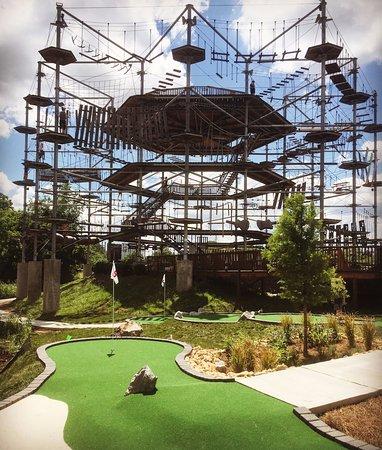 แฟรงกลิน, เทนเนสซี:  Mini Golf... Not so Mini Tower