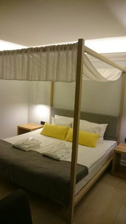 L'Ermitage Hotel: DSC_2831_large.jpg