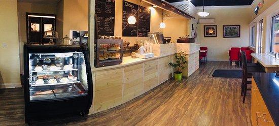 Statesville, Carolina del Norte: Inside Orobi Cafe
