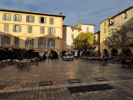L'Auberge Provençale Photo
