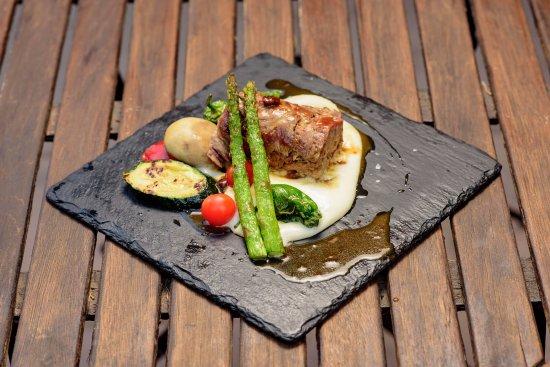Rulo de cordero segure o con verduras asadas 2 picture for Jardines de zoraya granada