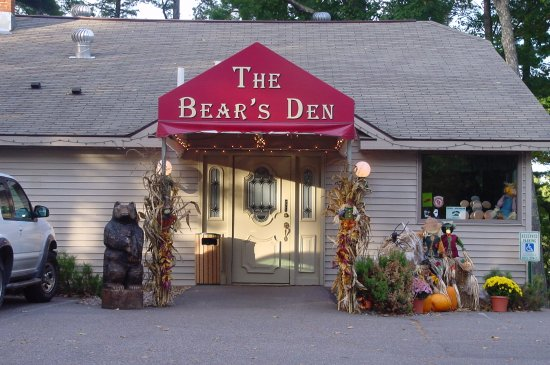 ‪‪Saint Germain‬, ‪Wisconsin‬: The Bear's Den decorated for fall. ‬