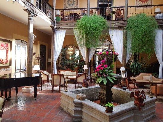 Mansion Alcazar Boutique Hotel: 20171111_085454_large.jpg