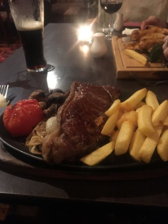 Milton of Campsie, UK: Sirloin Steak
