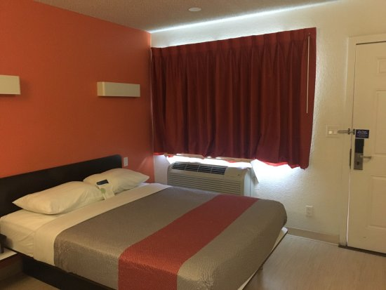 Motel 6 Las Vegas - Tropicana: photo0.jpg
