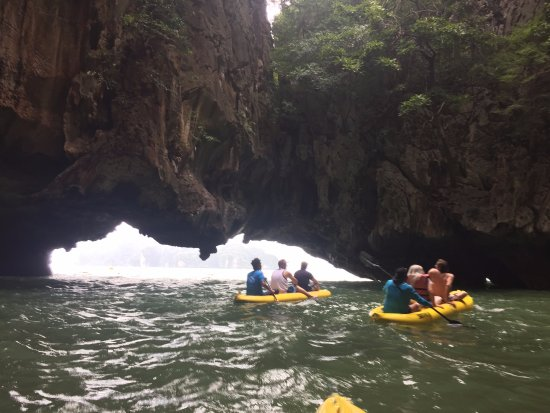 Phuket (miasto), Tajlandia: Canoeing around the islands