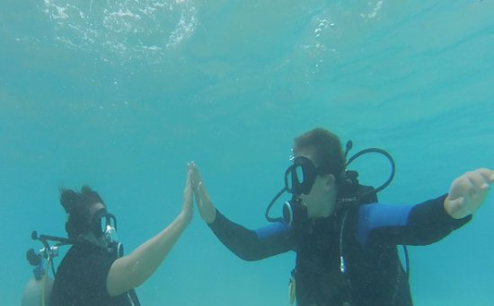 Pacific Divers : Our instructor Tony kindly took some Go Pro footage for us :)