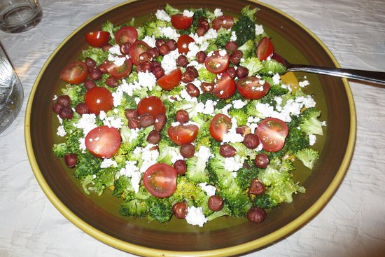 St Mullins, Ιρλανδία: One of Linda's delicious salads