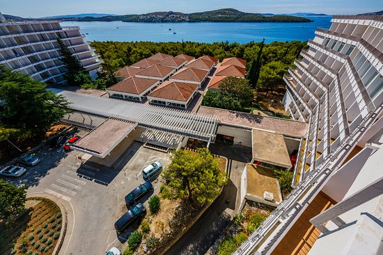 Donji Seget, Croacia: Hotel Medena - amazing location!
