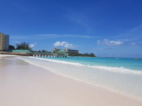 Island Inn Hotel: 20170907_100525_large.jpg