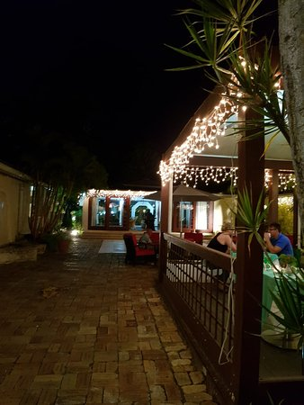 Island Inn Hotel: 20170904_194804_large.jpg