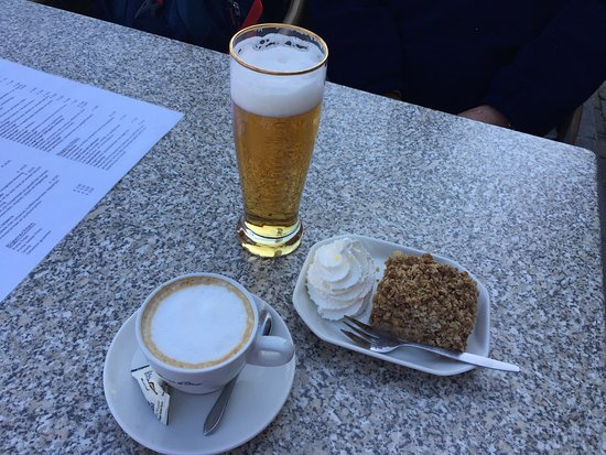 Delfshaven: Fuel for the weary travelers at the pool hall cafe